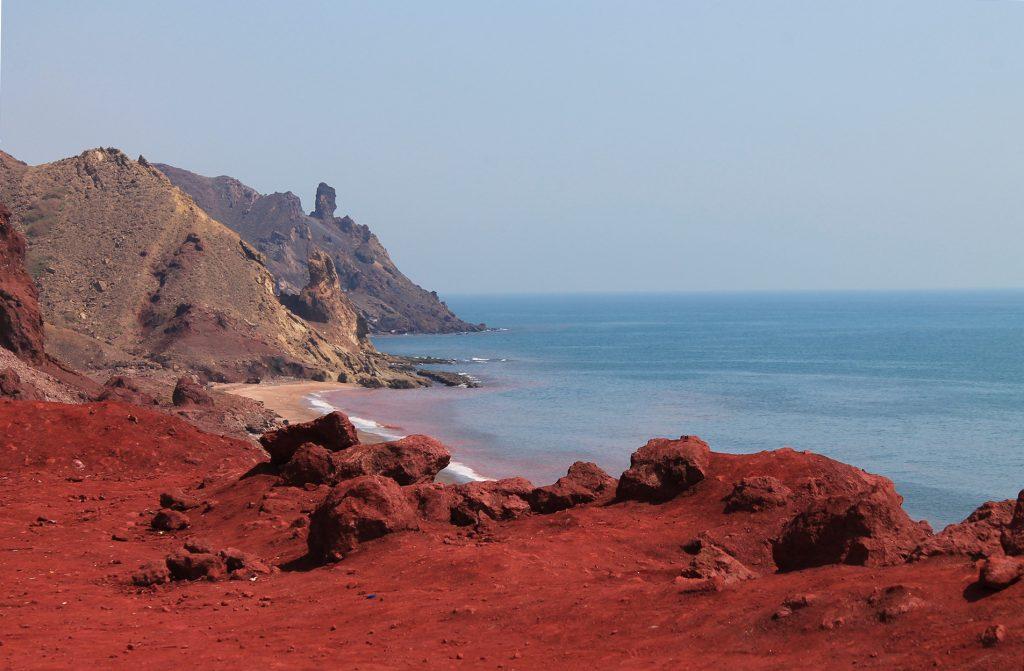 Côte de Sable Rouge Hormuz Golfe Persique Sud Iran