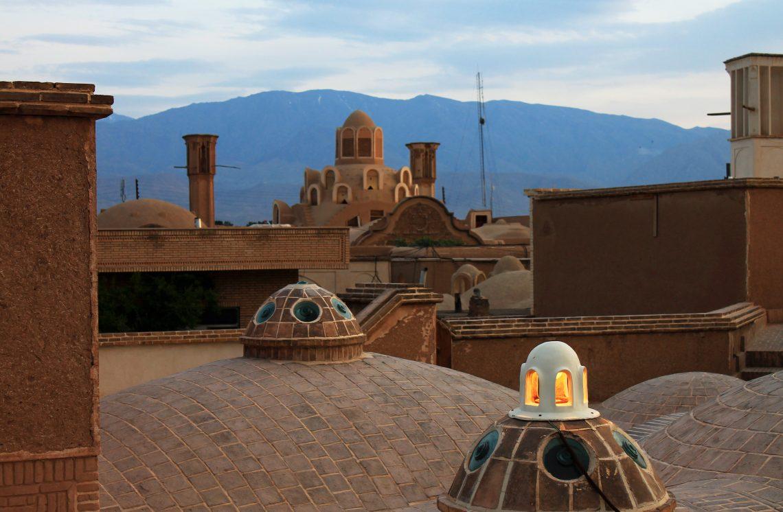 Vue sur Kashan depuis le toit du Hammam Amir Ahmad